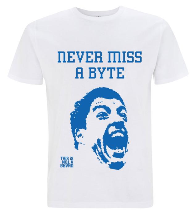 Camiseta Never Miss a Byte
